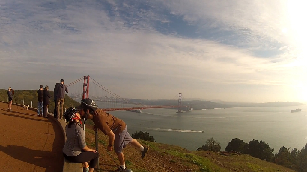 Golden-Gate-Bridge-Kiss